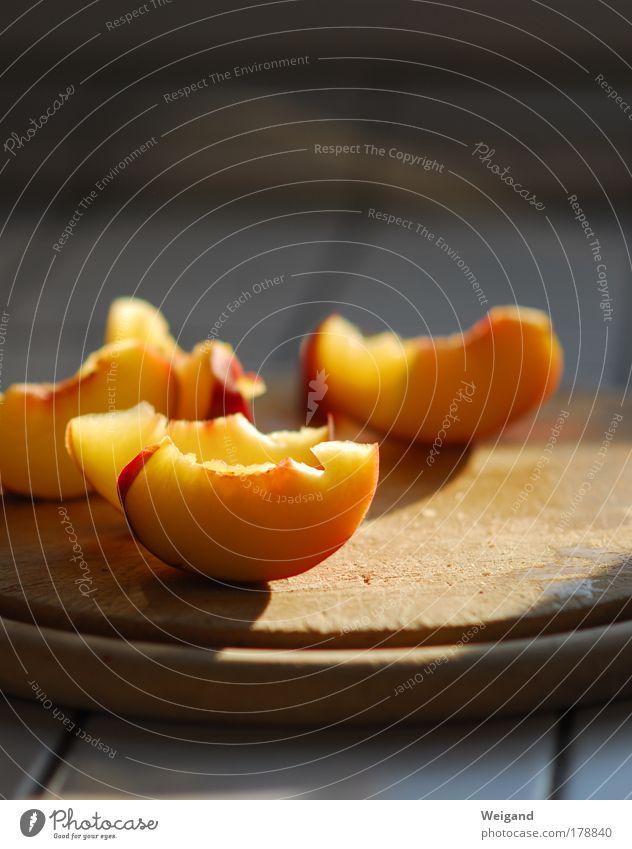 Hoheslied der Nektarine rot Erholung gelb Leben Ernährung Holz Lebensmittel Gesundheit Zufriedenheit gold Frucht frisch authentisch Küche Wellness lecker