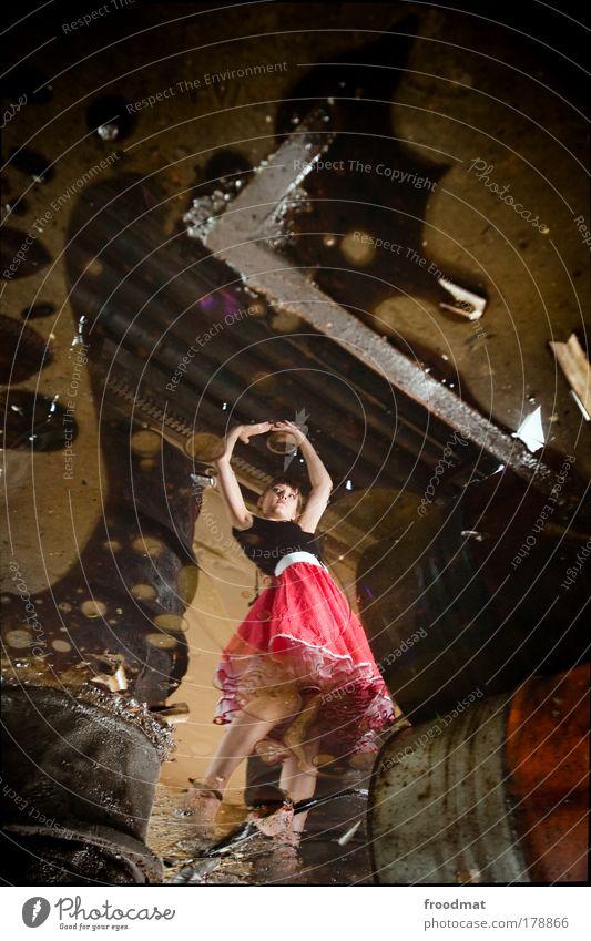 ölgemälde Frau Mensch Jugendliche Erwachsene feminin Umwelt Stil träumen Mode Kunst Tanzen dreckig elegant außergewöhnlich Wandel & Veränderung Kreativität