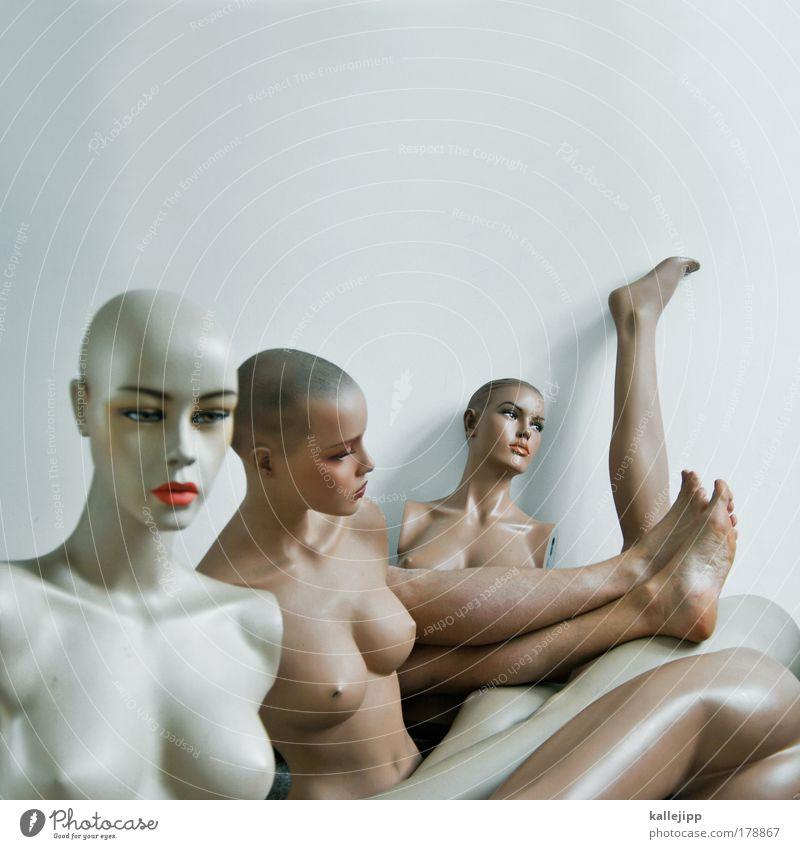 allein unter frauen Frau Puppe Mensch Fuß Körper Frauenbrust Körperteile Schaufensterpuppe Hintergrund neutral Vor hellem Hintergrund Textfreiraum oben Torso