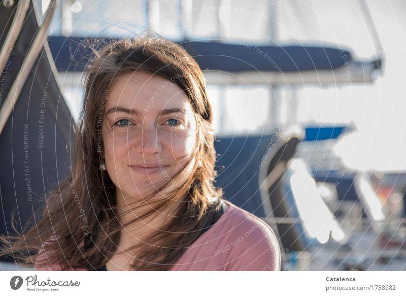 Morgens Mensch Ferien & Urlaub & Reisen Jugendliche blau Junge Frau 18-30 Jahre Erwachsene feminin braun rosa Zufriedenheit Lächeln Lebensfreude beobachten