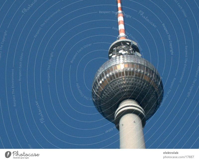Fernsehturm Himmel blau Berlin Architektur Glas Beton Kugel Berliner Fernsehturm Alexanderplatz