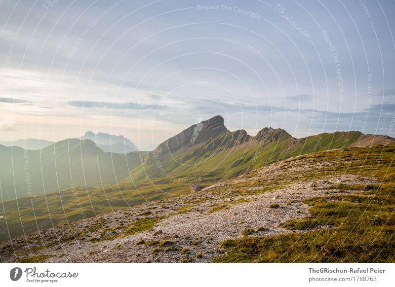 Gebirge Umwelt Natur Landschaft braun gelb grau grün Berge u. Gebirge Gipfel steinig Wege & Pfade Stein Gras Himmel Stimmung Außenaufnahme Alpen Schweiz
