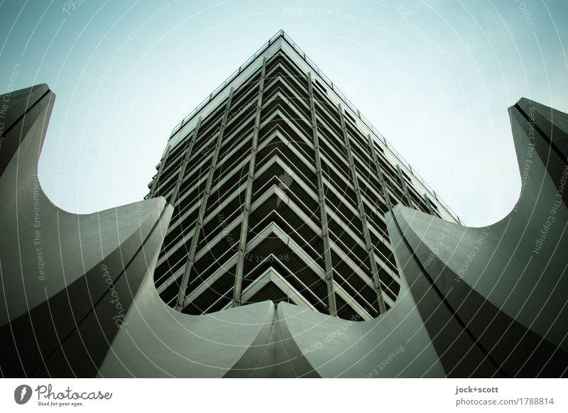 Ecklösung Stadt Architektur Fassade Dekoration & Verzierung Hochhaus authentisch retro Stadtzentrum eckig Plattenbau Berlin-Mitte schlechtes Wetter