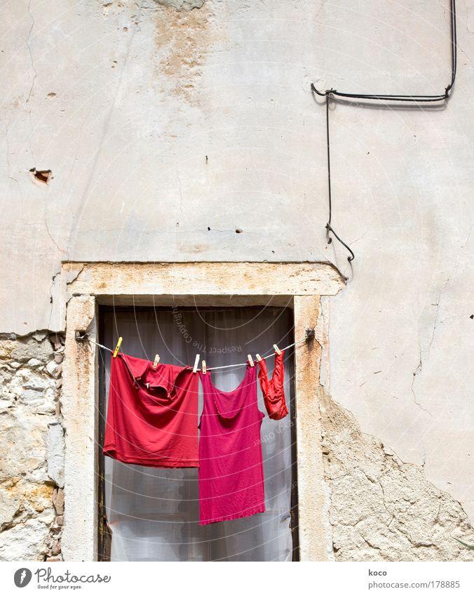 rot.rot.rot! rot Sommer Fenster Bekleidung Ordnung T-Shirt hängen Unterwäsche Altstadt