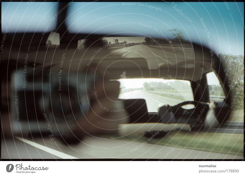 analoge Rücksicht Mensch Hand Ferien & Urlaub & Reisen Sommer Ferne Umwelt Freiheit Bewegung PKW Kunst Verkehr Geschwindigkeit Technik & Technologie fahren