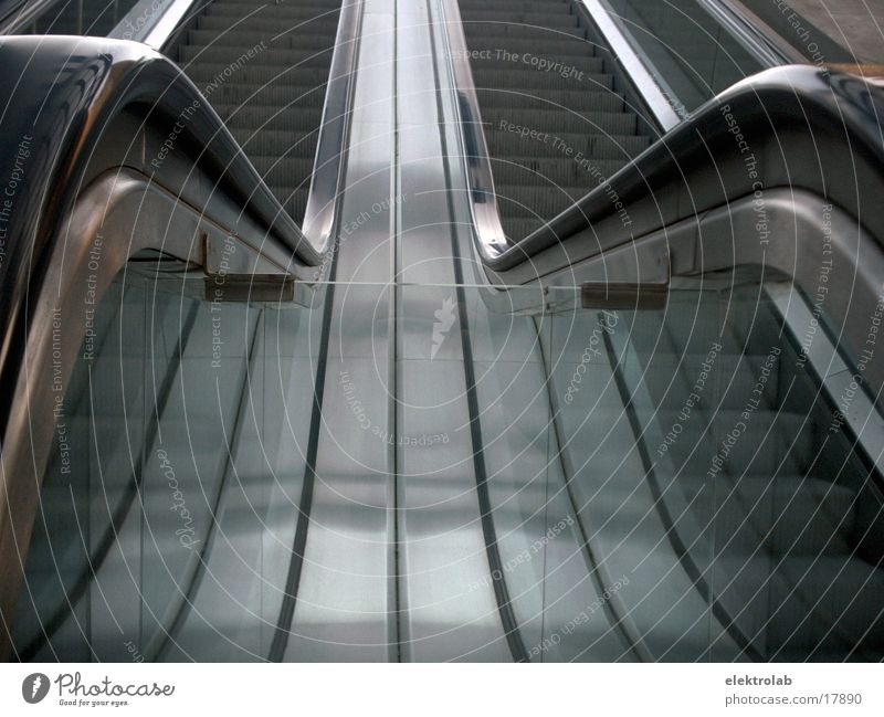 Rolltreppe Stahl Gummi Potsdamer Platz Verkehr Glas Bahnhof