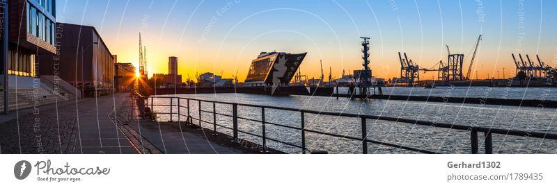 Panorama des Hamburger Hafen im Gegenlicht der Morgensonne Ferien & Urlaub & Reisen Wasser Architektur Gebäude Tourismus Freizeit & Hobby wandern Ausflug