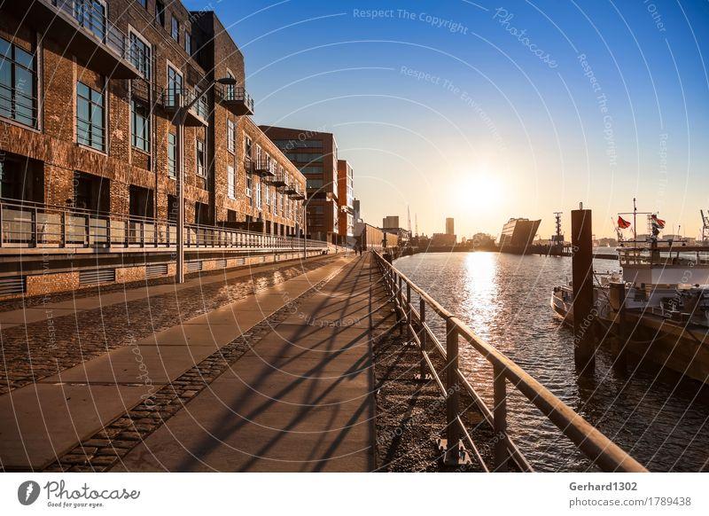 Hamburger Hafen und Dockland im Gegenlicht der Morgensonne Ferien & Urlaub & Reisen Stadt Haus Architektur Tourismus Ausflug Güterverkehr & Logistik