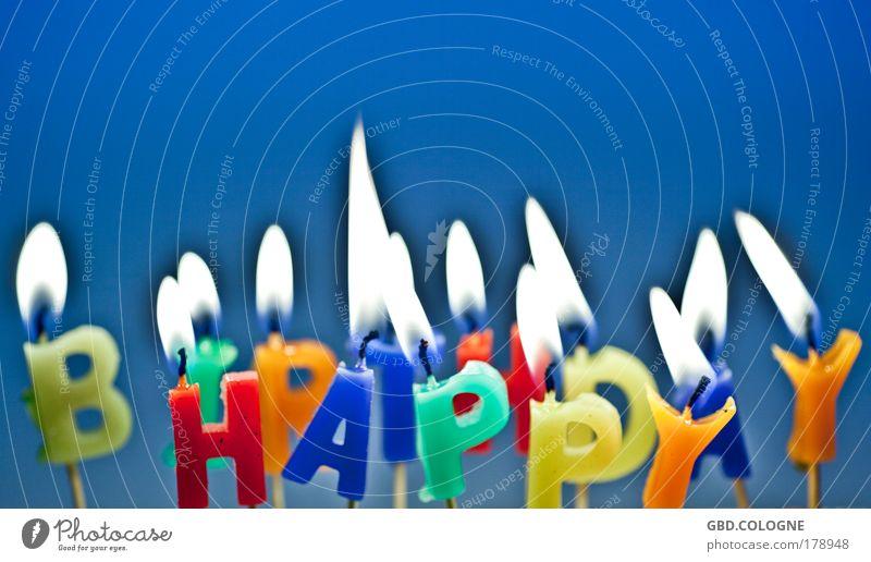 HAPPY BIRTHDAY Jubiläum blau Freude Glückwünsche Gefühle Stimmung Feste & Feiern Zufriedenheit Geburtstag Fröhlichkeit Makroaufnahme Feuer Kerze Wunsch heiß