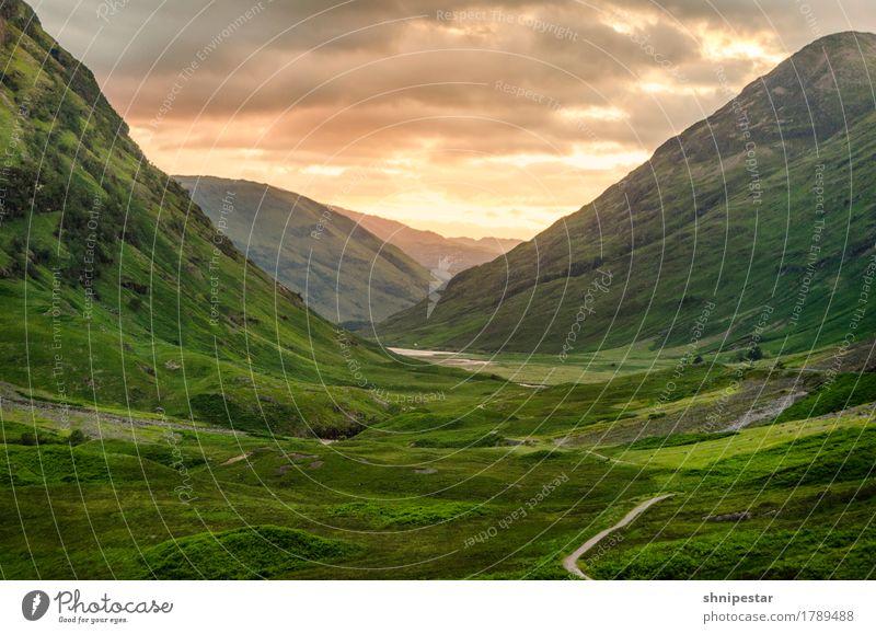 Glencoe Natur Ferien & Urlaub & Reisen Pflanze Sommer Landschaft Wolken Ferne Berge u. Gebirge Umwelt Wege & Pfade Gras Freiheit Tourismus Wetter Zufriedenheit