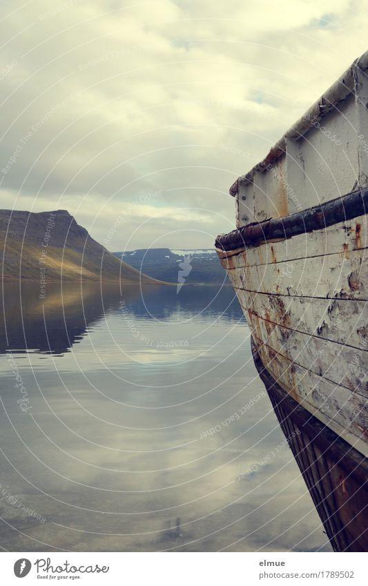 Stille Ferien & Urlaub & Reisen Wasser Einsamkeit ruhig Ferne Holz Horizont träumen liegen Ausflug Abenteuer Vergänglichkeit kaputt Romantik historisch Glaube