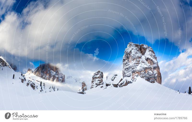 Dolomiti, Italien: die schöne berühmte 5 Torri Cortina Winter Schnee Berge u. Gebirge Landschaft Wolken Alpen Gipfel Gletscher blau weiß Wolkenlandschaft