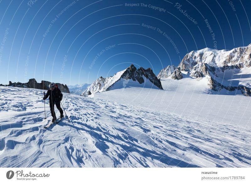 Skibergsteiger, Mont Blanc. Chamonix Mensch Himmel Natur Ferien & Urlaub & Reisen Mann schön weiß Landschaft Winter Berge u. Gebirge Erwachsene Sport Schnee