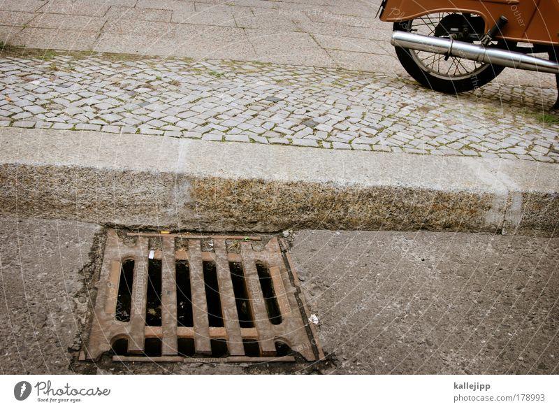 gossenjunge Straße Leben Stein Wege & Pfade Metall Straßenverkehr Verkehr Lifestyle Technik & Technologie Rad Bürgersteig Motorrad Verkehrswege Reifen Fahrzeug