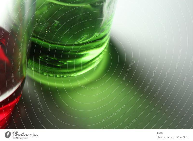 stop ´n go weiß grün rot schwarz kalt Glas Trinkwasser Ernährung Getränk trinken Bar Flüssigkeit Duft Cocktail harmonisch saftig