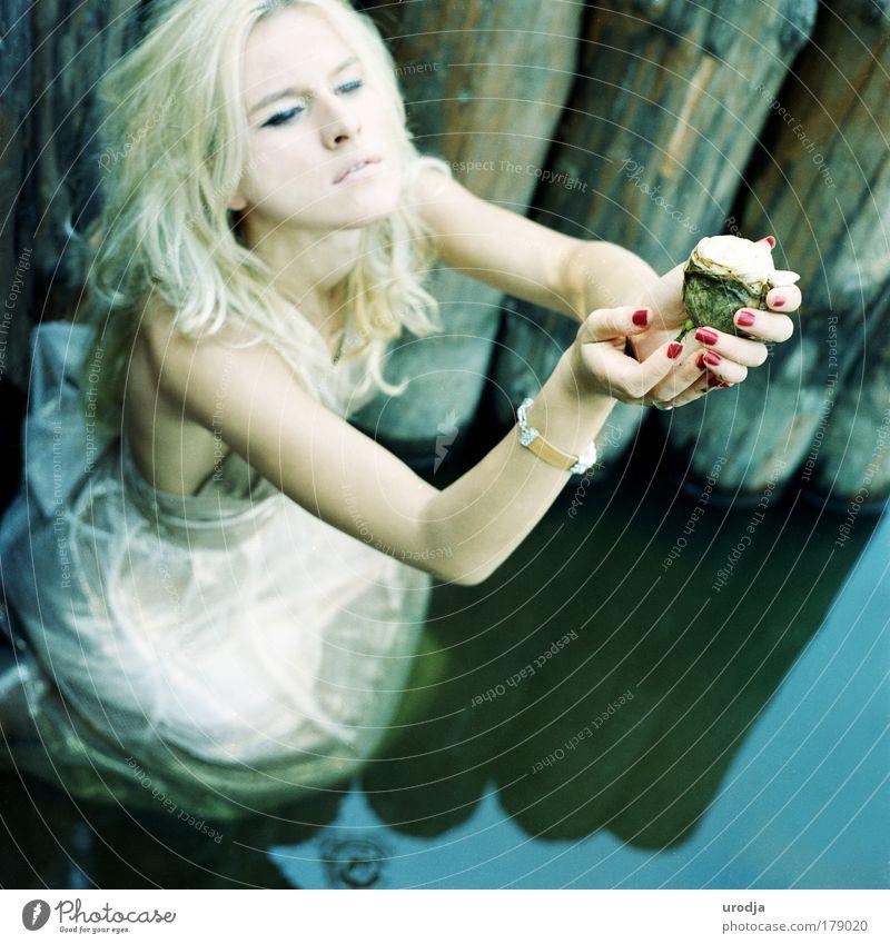 Wasser schön Sommer Freude Gefühle Holz Haare & Frisuren Stil Kunst Stimmung elegant Haut Design Fröhlichkeit Hoffnung trist