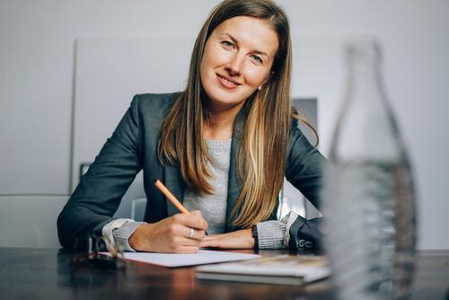 Business Bildung Erwachsenenbildung Berufsausbildung Azubi Praktikum Studium lernen Student Hochschullehrer Prüfung & Examen Arbeitsplatz Büro Unternehmen