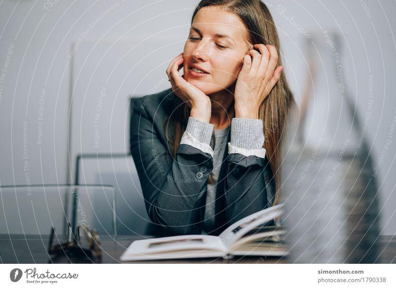 Business Freude sprechen feminin Stil Business Büro Erfolg lernen Studium planen Bildung Erwachsenenbildung Student Werbung Geldinstitut Sitzung