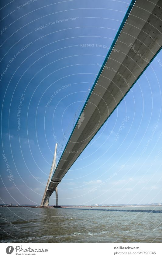 Pont de Normandie Ferien & Urlaub & Reisen Landschaft Schönes Wetter Seeufer Hafenstadt Brücke Bauwerk Architektur Sehenswürdigkeit blau Ziel Seine Le Havre