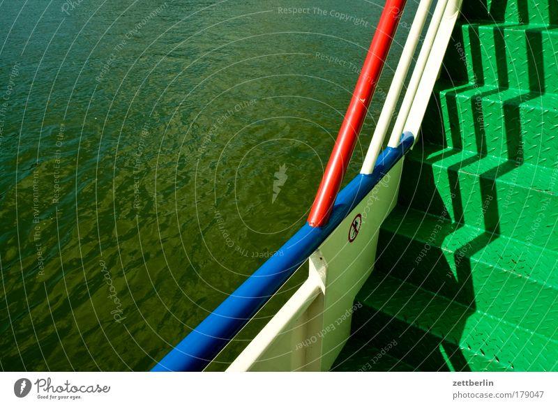 Rhein Wasserfahrzeug Fähre Schiffsdeck Treppe Niveau Karriere Geländer Treppengeländer Brückengeländer bord Bordwand Fluss Wasseroberfläche Schifffahrt