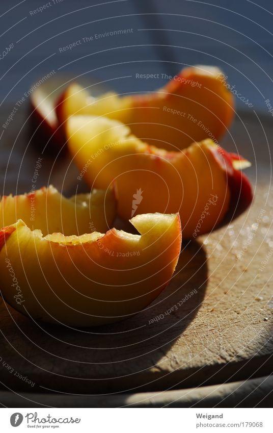 Hoheslied der Nektarine 2 rot Ernährung gelb Leben Glück Gesundheit Lebensmittel gold Frucht Wellness Küche lecker Duft harmonisch Wohlgefühl Bioprodukte