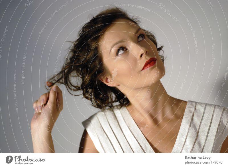 think of it Jugendliche Hand schön Gesicht Erwachsene feminin Spielen Haare & Frisuren Stil Mode elegant wild Finger nachdenklich Wellness 18-30 Jahre