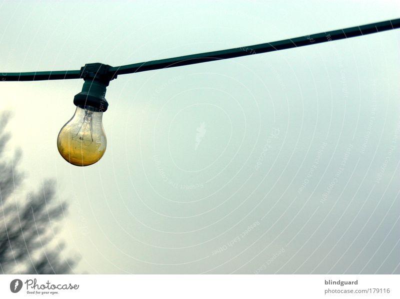 The Lights Burned Out Himmel blau gelb Wärme Lampe Metall Energiewirtschaft Wetter Luft leuchten Glas Technik & Technologie Elektrizität Europa Schönes Wetter Kabel