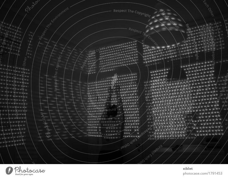 Jalousie Hochsitz Frau Weiblicher Akt Wand Haus Raum Geborgenheit Licht Reflexion & Spiegelung Schatten Leistung Lichtschweif Markierungen Tattoo Lampe dunkel