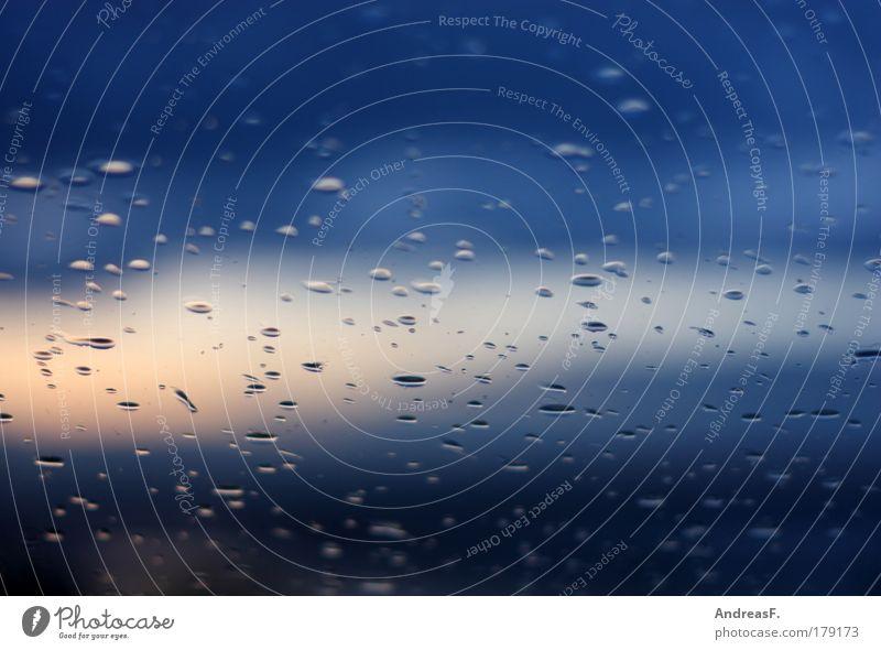 Sommergewitter Wasser Himmel blau Herbst Fenster Regen Wetter Wassertropfen nass trist Nachthimmel Sturm Gewitter Unwetter Urelemente Fensterscheibe