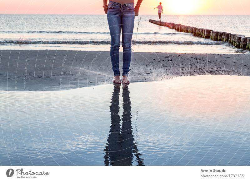 Reflexionen Mensch Himmel Natur Ferien & Urlaub & Reisen Jugendliche schön Junge Frau Junger Mann Meer Landschaft Erholung ruhig Ferne Strand Leben Lifestyle