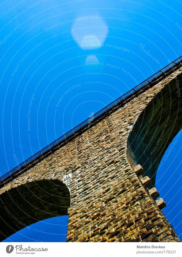 Viadukt alt Wand Mauer Architektur Brücke außergewöhnlich Denkmal Bauwerk Ruine Wahrzeichen Sehenswürdigkeit
