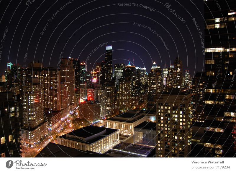 New York, New York, New York Farbfoto Außenaufnahme Strukturen & Formen Menschenleer Textfreiraum oben Nacht Vogelperspektive Totale New York City Hauptstadt