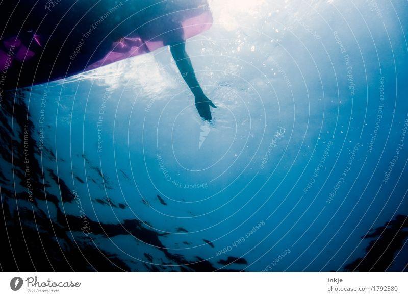 Tiefgang Mensch Ferien & Urlaub & Reisen blau Sommer Wasser Sonne Meer Erholung ruhig Leben Gefühle Schwimmen & Baden Stimmung oben Freizeit & Hobby Körper