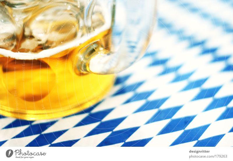 O'zapft is! Einsamkeit Ernährung Traurigkeit Glas Fröhlichkeit Getränk trinken Bier München Gewalt lecker Müdigkeit Lebensfreude Alkoholisiert Bayern
