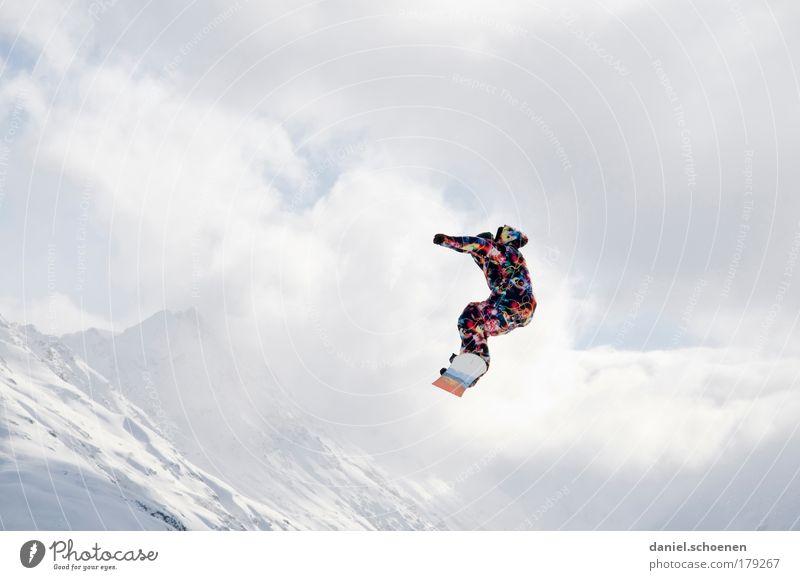 Hallo Winter !!!! Mensch Ferien & Urlaub & Reisen Jugendliche Junger Mann Wolken Freude 18-30 Jahre Berge u. Gebirge Erwachsene Leben Gefühle Bewegung Schnee