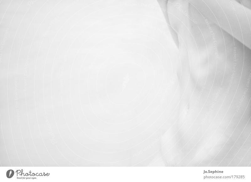 weakness Krankheit feminin Bauch 1 Mensch dünn nackt bizarr Einsamkeit Schwäche Sucht Verfall Skelett ungesund High Key hell Rippenbogen Tag Schwarzweißfoto