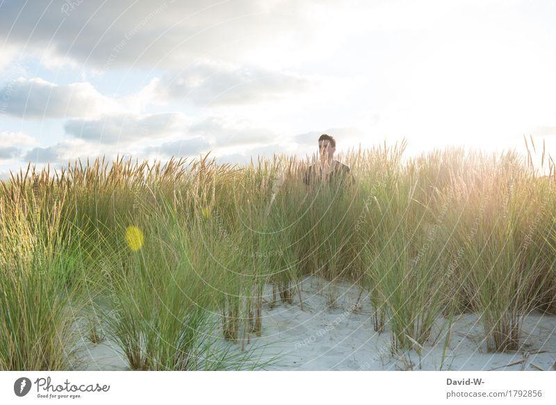 Strandspaziergang Mensch Ferien & Urlaub & Reisen Mann Sommer Erholung ruhig Erwachsene Leben Lifestyle Tourismus Freiheit Kopf Stimmung Ausflug maskulin Insel