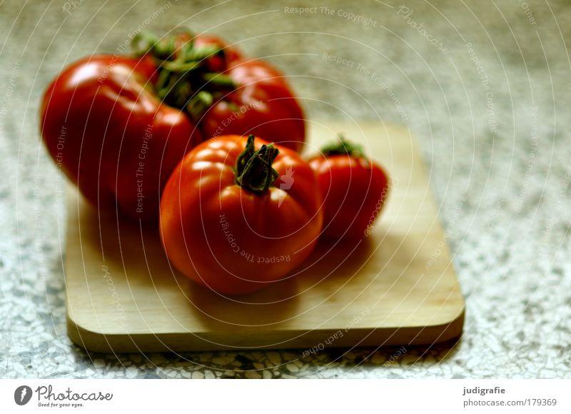 Tomaten rot Ernährung Gesundheit Lebensmittel frisch Küche natürlich Gemüse dick lecker Raum Schneidebrett Diät Vegetarische Ernährung Tomatensalat