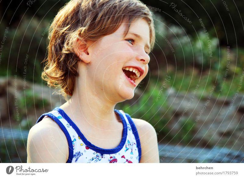 freude - der nikolaus war da;) Junge Familie & Verwandtschaft Kindheit Körper Haut Kopf Haare & Frisuren Gesicht Auge Ohr Nase Mund Lippen Zähne 1 Mensch