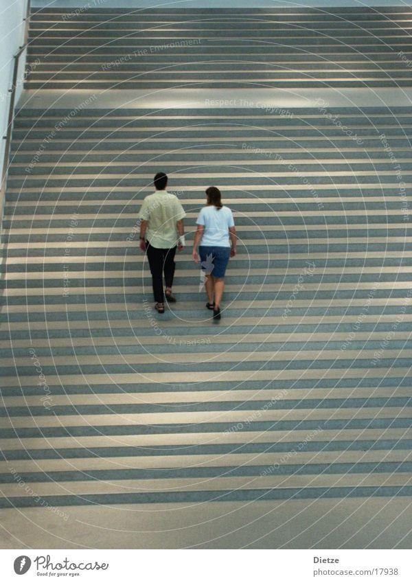 Stufen Mensch Paar Rücken Treppe paarweise aufwärts steigen