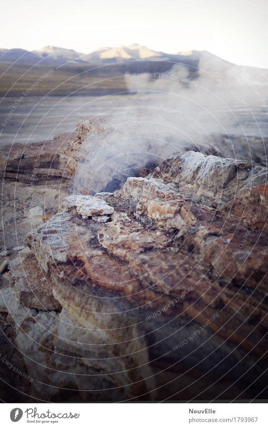 Unterwegs in Chile Geysir dampf Rauch Berge u. Gebirge Gesteinsformationen Stein Südamerika Reisender
