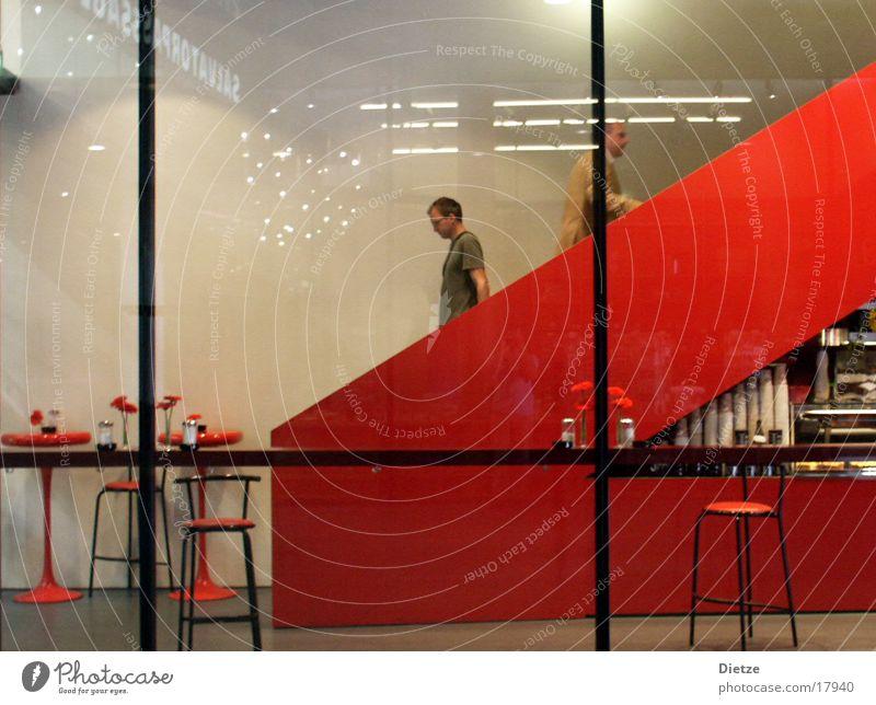 Roter Abstieg Innenarchitektur rot Café Bar Rolltreppe Hocker Architektur Treppe Abgang