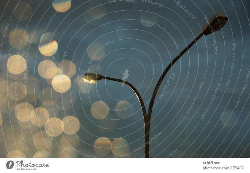 Laterne, Laterne... Wolken Beleuchtung Laterne Wandel & Veränderung Gegenlicht Gewitter Sonne Straßenbeleuchtung schlechtes Wetter Laternenpfahl Gewitterwolken Verlässlichkeit Sonnenfleck