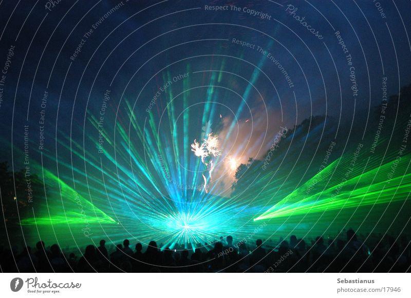 Lasershow Courage 2004 Freizeit & Hobby Mut Feuerwerk Menschenmenge Musikfestival