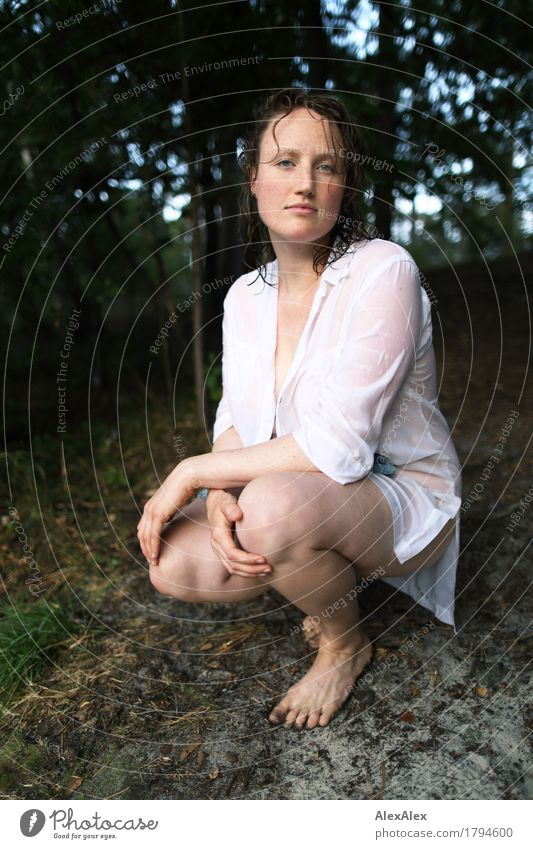 offensichtlich Natur Ferien & Urlaub & Reisen Jugendliche schön Junge Frau Baum Wald 18-30 Jahre Gesicht Erwachsene Leben natürlich feminin Schwimmen & Baden