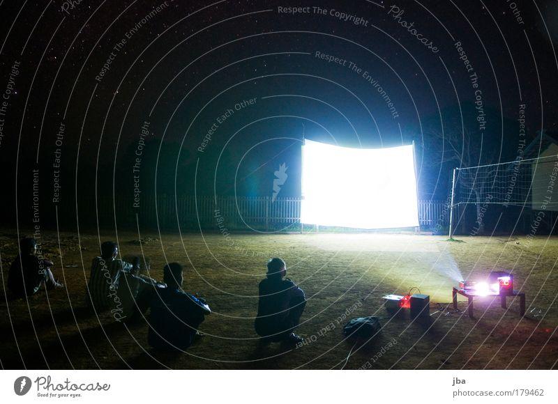 Movie-Night Farbfoto Außenaufnahme Nacht Kunstlicht Langzeitbelichtung Ferien & Urlaub & Reisen Abenteuer Ferne Expedition Sommerurlaub Urwald abgelegen