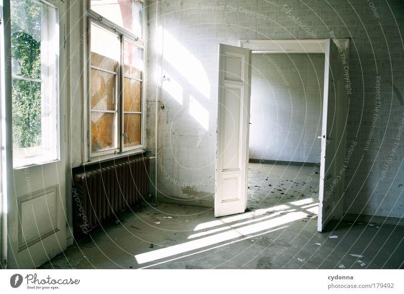 Lichtdurchflutet ruhig Haus Einsamkeit Leben Tod Fenster träumen Traurigkeit Raum Architektur Tür Zeit Zukunft Wandel & Veränderung Bildung Häusliches Leben