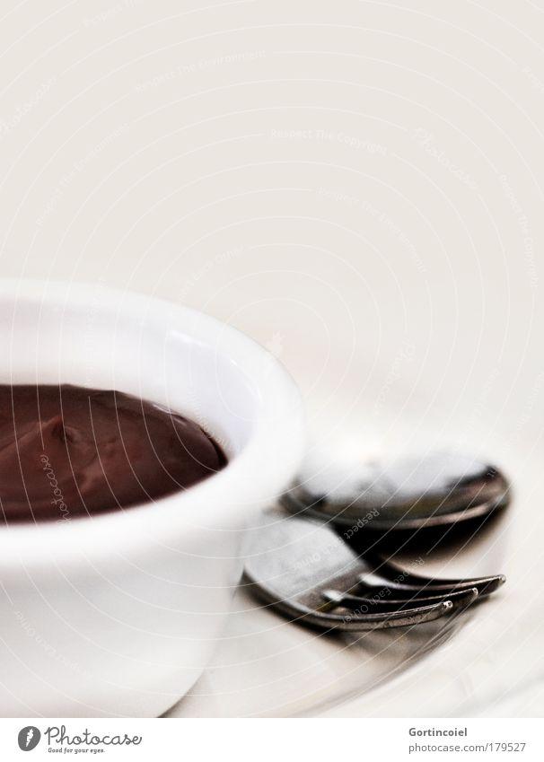 A la Chocolaterie weiß braun Lebensmittel Ernährung süß lecker Süßwaren Geschirr Schokolade Schalen & Schüsseln Dessert Besteck Sahne Gabel Löffel Pudding