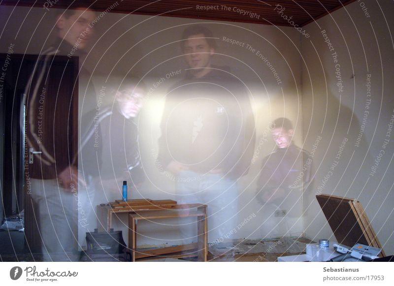 Ghosts #2 Mann Wohnung Geister u. Gespenster Renovieren Kerl