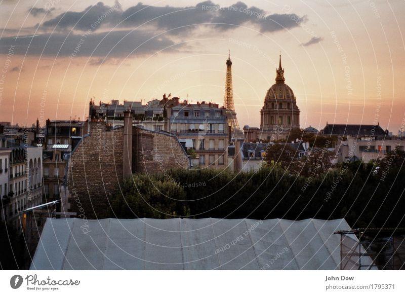 Abenddämmerung Ferien & Urlaub & Reisen Tourismus Ausflug Ferne Architektur Kultur Paris bevölkert Haus Dach Schornstein Stadt Leben Aussicht Fensterblick